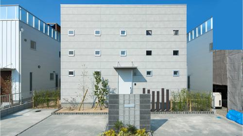 ゼロキューブ カイ:小さな窓がある家/デザイナーズ住宅に匹敵する!? ゼロキューブ+ファン